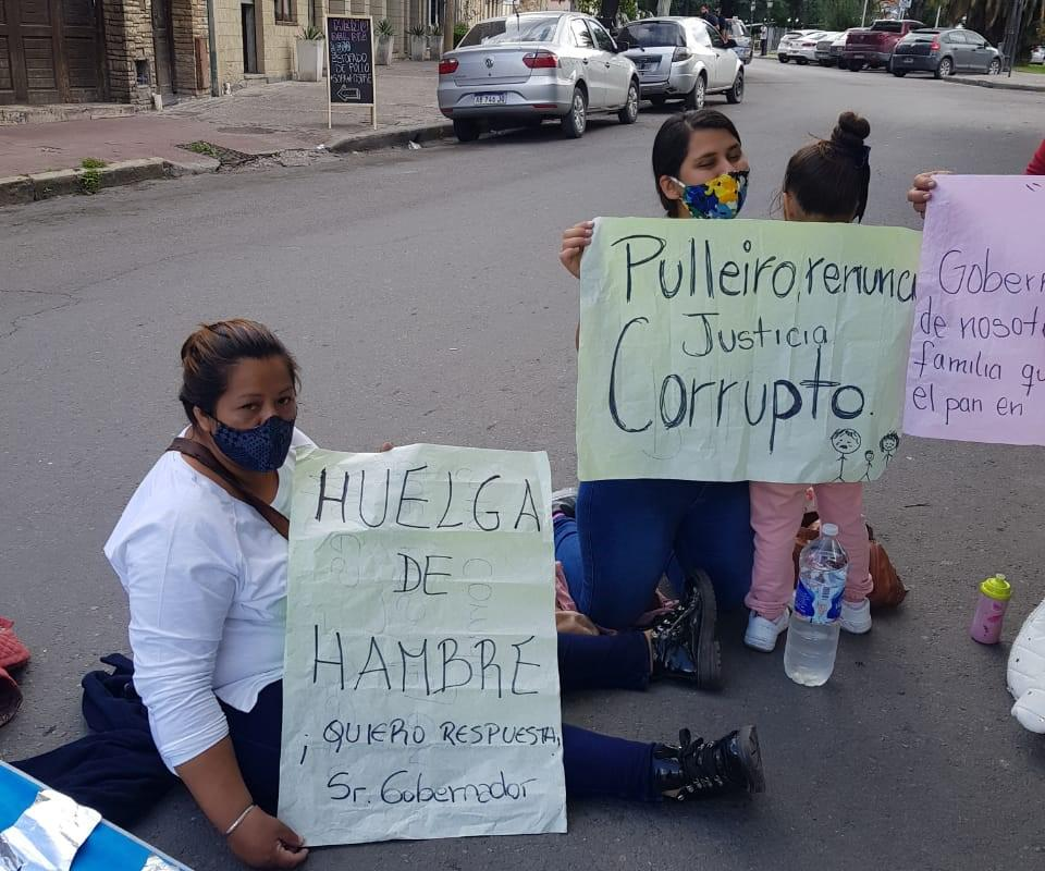 Mujer de huelga en el Ministerio de seguridad