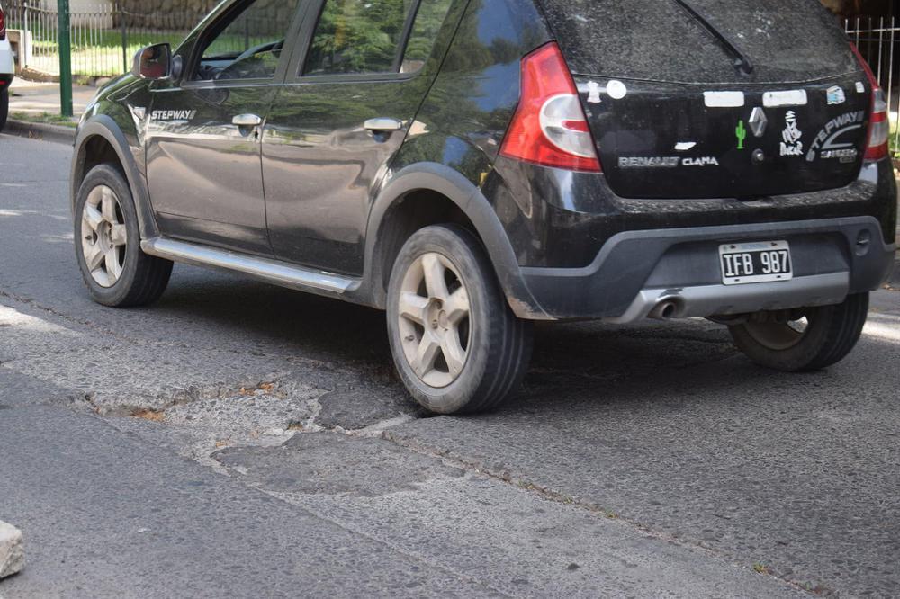 Baches en las calles de Salta (6)