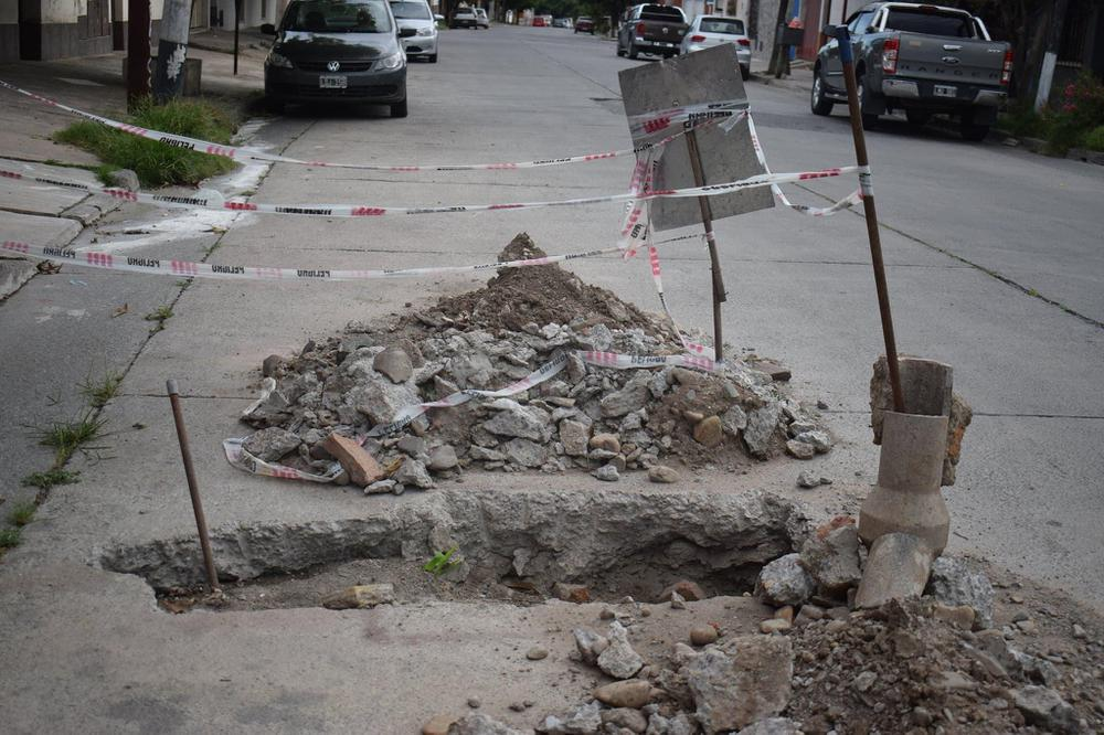 Baches en las calles de Salta (9)