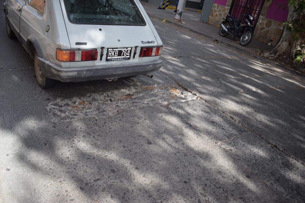 Baches en las calles de Salta (12)