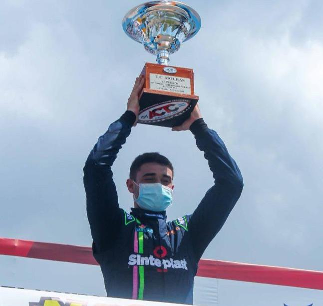 Jeremías Olmedo ganó en la segunda competición del TC Mouras 002