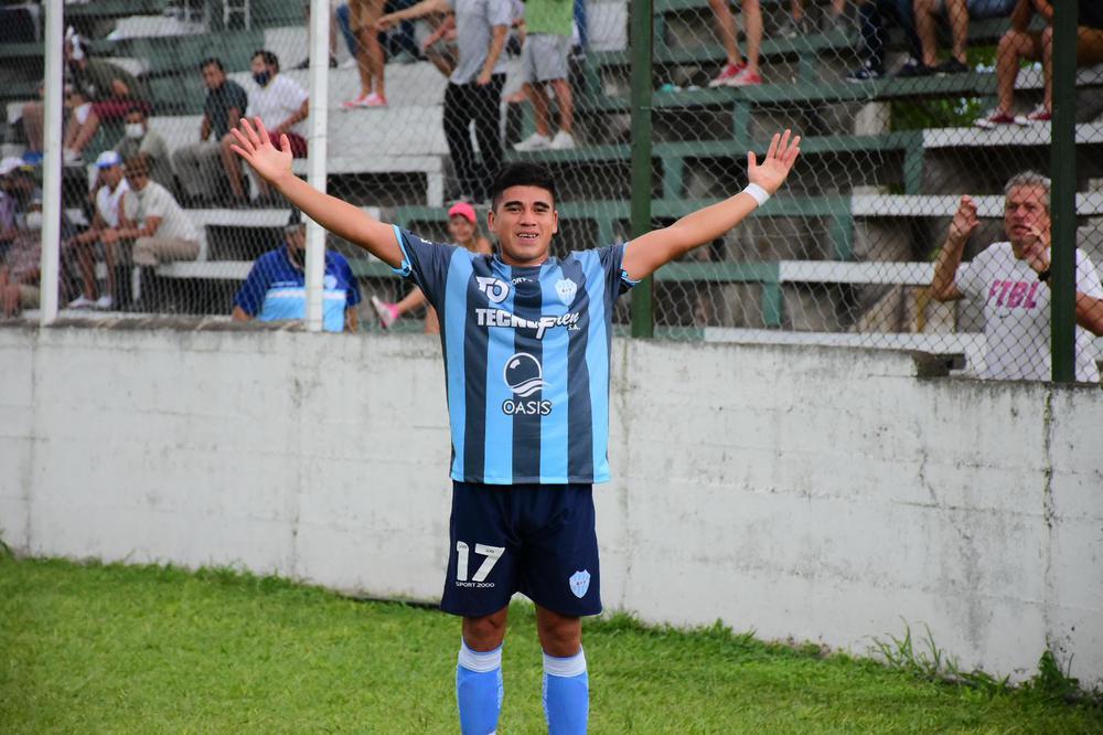 Cristian Segobia convirtió el único gol del partido (3)
