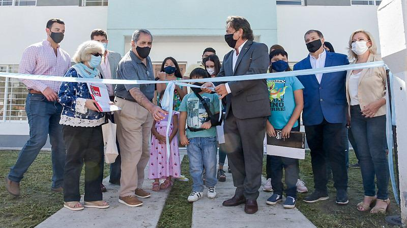 Sáenz entregó 95 viviendas en Pereyra Rozas