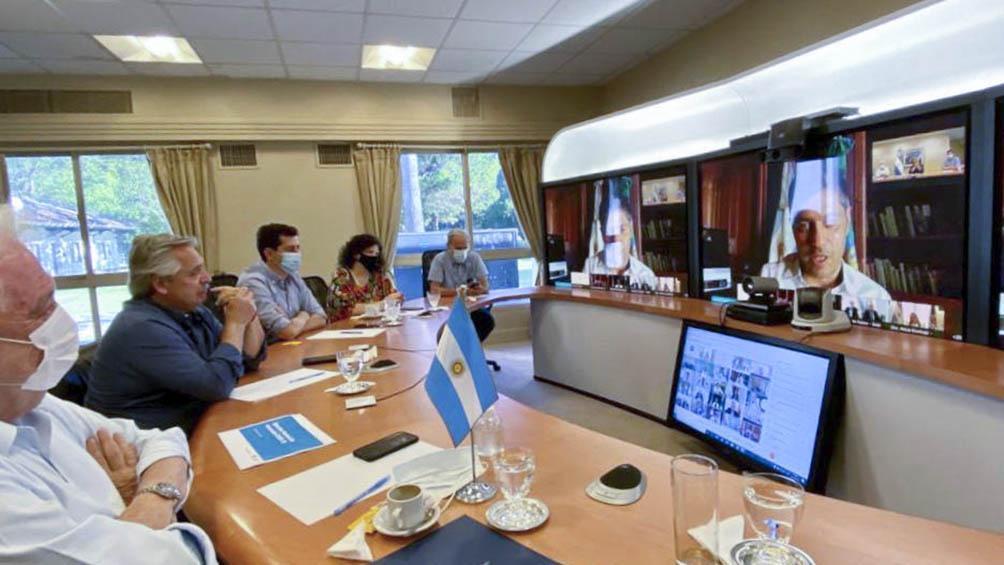 Alberto Fernández con los gobernadores informando sobre la vacunación